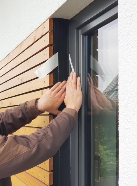 Jak montować drzwi i okna w systemie drewnianym
